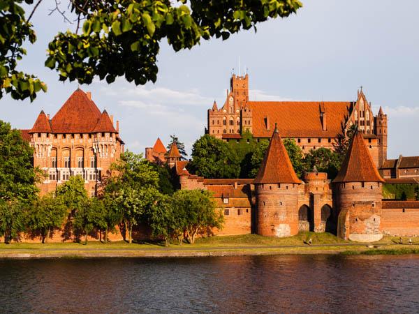 Schlösser und Burgen Tradition und Gegenwart